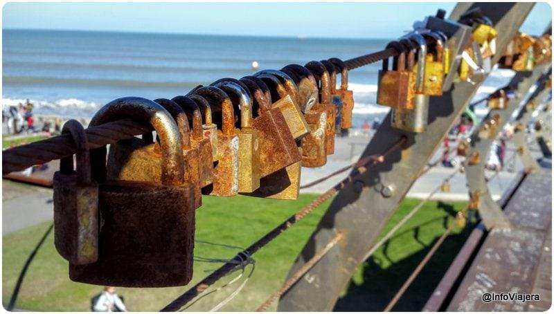 Mar_del_Plata_Candados_Puente