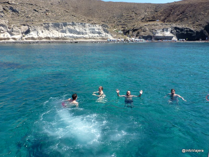 Agua_Mar_Egeo_Catamaran_Santorini_Grecia