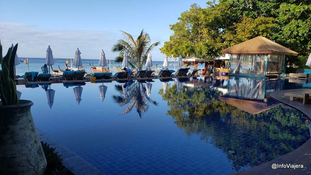 Tailandia, Isla Koh Lipe, Piscina en el ingreso al hotel